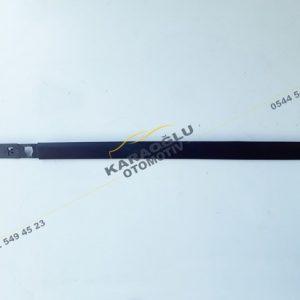 Clio 3 Sol Ön Kapı Bandı Çıtası 7701476434