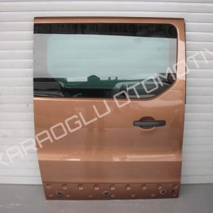 Trafic 3 Sağ Sürgülü Kapı Camlı Hatasız 821002409R