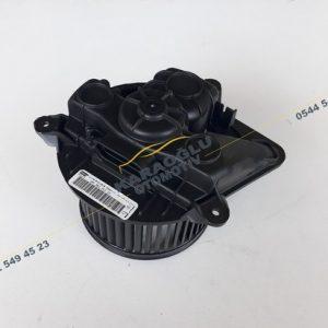 Trafic Kalorifer Motoru 7701050310