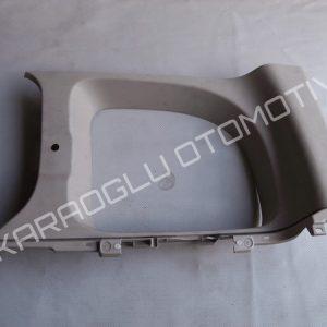 Kangoo 3 Cam Direği Kaplaması Arka Sağ Üst 8200421078