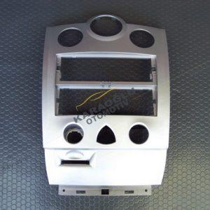 Megane 2 Torpido Radyo Klima Çerçevesi 8200699741