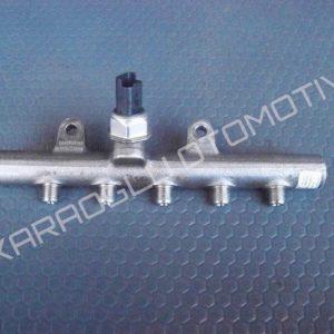 Fluence Megane 3 Enjektör Yakıt Rampası 8200701690