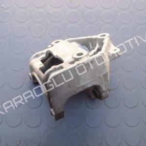 Clio Direksiyon Pompa Ayağı 1.2 D4F 8200040061